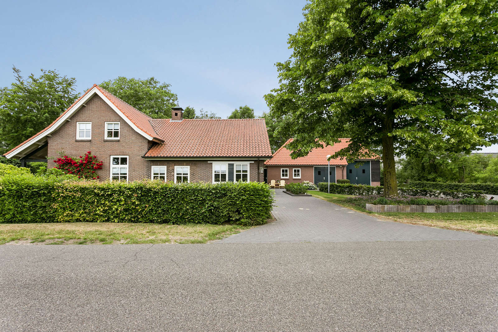 Koesteeg 33, Landhuis Berlicum