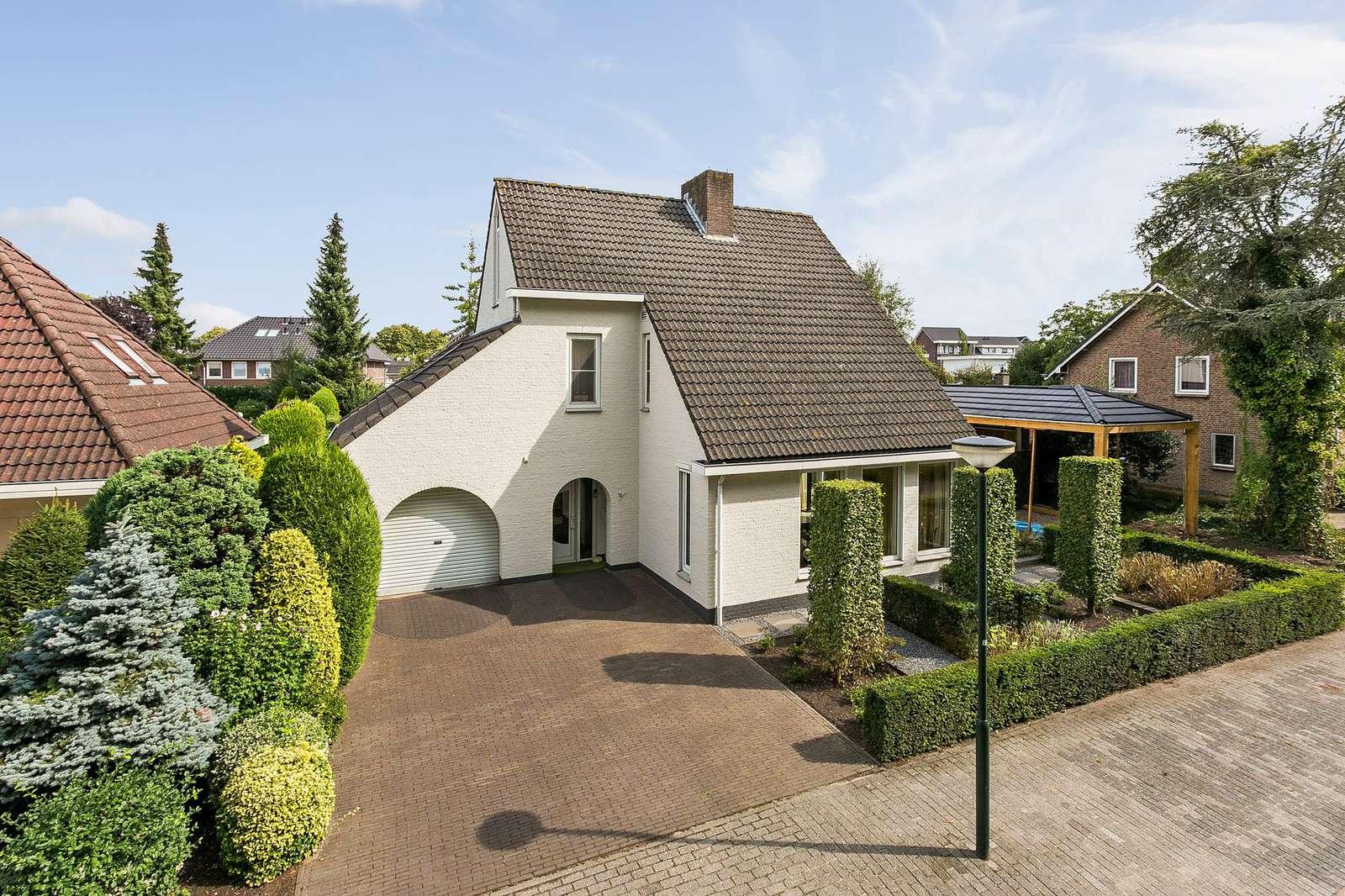 Meijgraaf 13, villa SCHIJNDEL