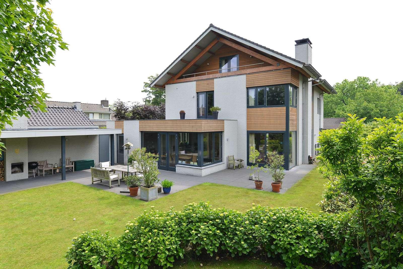 Constantijnlaan 2, villa Vught